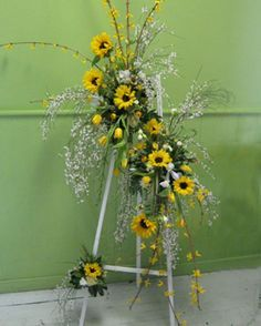 Sunflower and ginestra standing summer spray Casket Flowers, Grave Flowers, Cemetery Flowers, Church Flowers, Funeral Flowers, Wedding Flowers, Funeral Floral Arrangements, Flower Arrangements, Arco Floral