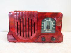 VINTAGE-1940s-ART-DECO-MID-CENTURY-BAKELITE-RADIO-SWIRLED-CATALIN-COLORS
