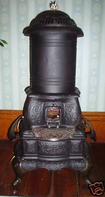 1891 CAST IRON OIL PARLOR STOVE WILCOX HEAT & LIGHT Steam Radiators, Electric Radiators, Old Stove, Stove Oven, Disney Collectibles, Coca Cola, Tiny Wood Stove, Antique Fireplace Mantels