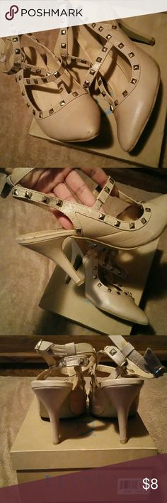 Alexander Leuven Flore Heels Nude. Pointy Toe. Couple scuffs, few studs fell off.. but can be repaired. still have their box Alexander Leuven Shoes Heels