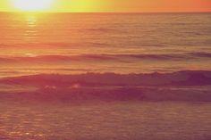 sunset beach ocean -  sunset beach ocean free stock photo Dimensions:2000 x 1333 Size:0.49 MB  - http://www.welovesolo.com/sunset-beach-ocean-2/