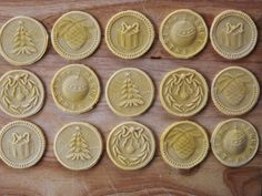 Here is a wonderful CHRISTMAS CORZETTI PASTA STAMP SET to feel in Italy wherever you are for Christmas dinner or Lunch !!! With a Special