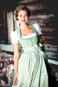 What shoes to Dirndl & where does the loop belongs? 7 golden styling rules for the Oktoberfest - Oktoberfest // Dirndl // Frisuren - Oktoberfest Outfit, Oktoberfest Party, Drindl Dress, The Dress, Julia Trentini, German Costume, Folk Costume, Traditional Dresses, 1990s