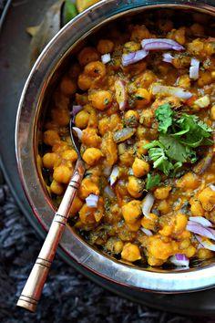 Simplest Punjabi Chana/Chickpea Masala Ever!%