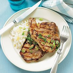 Marinate center-cut pork chops in a mixture of soy sauce, honey, lime juice and ginger to get quick and easy Asian flavor. Pork Chop Recipes, Grilling Recipes, Asian Pork Chops, Great Recipes, Favorite Recipes, Dinner Recipes, Asian Recipes, Healthy Recipes, Grilled Pork