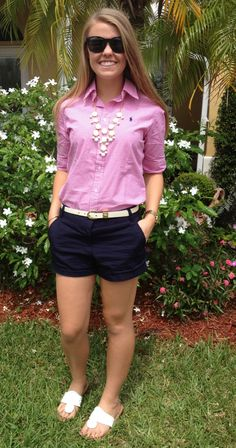 OOTD ( Overstreet Overstreet Norton) Ralph Lauren Gingham Short Sleeve Button Down J Crew Navy 3 Inch Chinos White Jack Rogers White and Gold Bubble Necklace Ray Bands Style Preppy, Style Désinvolte Chic, Preppy Girl, Preppy Outfits, Short Outfits, Cute Outfits, Fashion Outfits, Preppy Casual, College Outfits