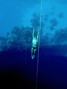 How to Hold Your Like a Deep Sea Freediver