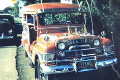 1956 Manila Jeepney #Philippines #Pilipinas #Pinas #Pinoy #vintage #PUV #Asia #Asiaan #VintagePhilippines #commute #publictransport jeepney #jeep Philippines Culture, Manila Philippines, Jose Rizal, Jeepney, Thing 1, American War, Cool Photos, Interesting Photos, Historical Pictures