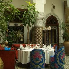 Moroccan Decorating Ideas, Moroccan Rugs and Floor Decor Accessories