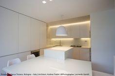 The white gloss #Nur is self-evident in this kitchen ! #design Ernesto Gismondi ► http://bit.ly/NurGloss