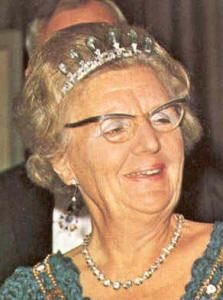 Diamond Riviere Queen Juliana