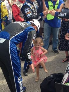 Twitter / LowesRacing: Pre-race: Evie dances for Chad