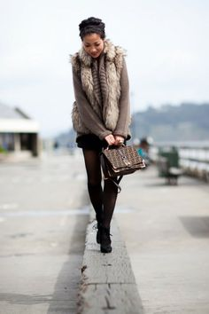 Cute vest with sweater!!! Winter outfit #anoukblokker #fashionoutfit www.2dayslook.com