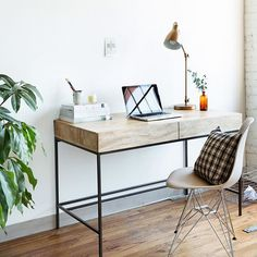 """thejonmartincom: """"We teamed up with @jessicacomingore to revamp her creative studio. See the final product on our blog and get inspired. #LinkInProfile by westelm http://ift.tt/1fq2ljs """""""