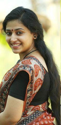 Anu Sithara Gallery - FILMPIX Beautiful Women Over 40, Beautiful Muslim Women, Most Beautiful Indian Actress, Beautiful Girl Image, Beautiful Smile, Beautiful People, Beauty Full Girl, Beauty Women, Indian Photoshoot