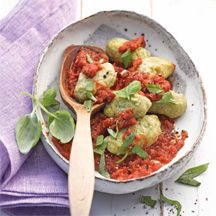 Selbstgemachte Broccoli-Gnocchi mit Tomatensauce | Weight Watchers
