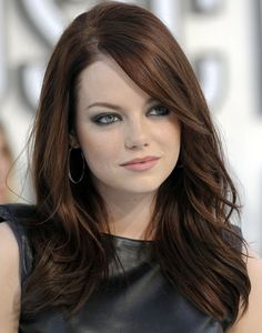 Emma Stone's fantastic chestnut color!