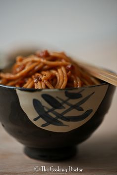 The Cooking Doctor: Hong Kong style Egg Noddles Asian Recipes, Healthy Recipes, Ethnic Recipes, Traditional Chinese Food, Great Recipes, Favorite Recipes, Cook Up A Storm, Pot Pies, Pasta Noodles