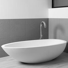 The elaine is an elegantly thick rimmed bathtub. It's spacious, with a unique and striking egg shape that brings character and luxury to your bathroom. House Planner, Egg Shape, Bathtubs, Basin, Concept, Shapes, Wine, Elegant, Natural