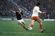 Archie Gemmil en route to score that goal v Netherlands, World Cup 78. Source: LEquipe