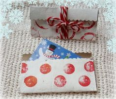 cardboard tube gift card holder- would be great for stickers, bookmarks etc...