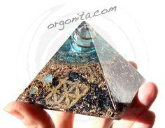 Piramide con la Flor de la Vida - Disponible en ORGONITA.com