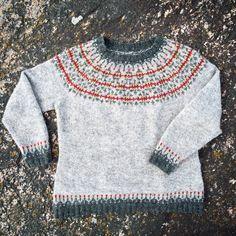 Jag har en varm och skön tröja med vackert mönsterstickat ok som min mamma gjorde till mig när jag var 13 år. Det är 32 år sedan. Den tröjan …