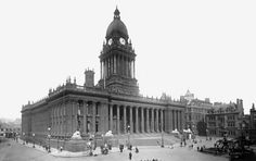 Old photo of The Town Hall 1894, Leeds