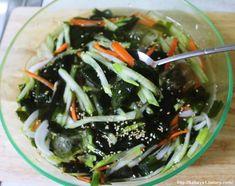 Korean Food, Seaweed Salad, Japchae, Side Dishes, Cabbage, Cooking Recipes, Tasty, Dinner, Fruit