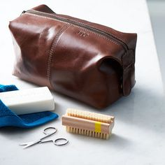 Father's day  | Gift | Leather Wash Bag. This leather wash bag combines distressed buffalo leather and a waterproof lining to give vintage character - ideal for travelling in style!