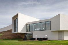 David Delfín diseñó el interior de este hotel bodega maravillosa en La Rioja