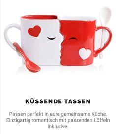 Gibt es jetzt hier!  Oder auf unserer Website!  #süß #tassen #kuss #küssen #mut #löffel #romantisch #liebe #paar #pärchen Mugs, Tableware, Perfect Kiss, Cute Mugs, Coffee Cups, Valentines Day, Couple, Love, Christmas