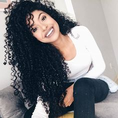 Inspiração ❤ Siga @enroladasbr @cacheada_com_orgulho2 @xo_chapinha #cachinhosdeamor #cachos #intimasdaray #cachosperfeitos #cachinhos #like #admcachos #instahair #curlyhair #negras #cachosbra #cabelos #cacheado #likes #cacheadas #hair #curly #todecacho #black #cachospoderosos #identidade #curlygirl #cabeloscacheados #maisfrizzporfavor