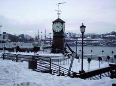La neve ammanta Aker Brygge, Oslo @VisitNorwayIT http://www.viaggiaescopri.it/oslo-il-grande-freddo/