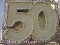 ¡Hola!  Aquí os traigo una muestra de tartas con forma de número para celebrar cumpleaños o aniversarios muy especiales. Yo he hecho para 4...