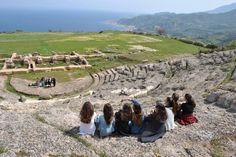 Δευτέρα 18 Απριλίου 2016, εκδήλωση Υιοθεσίας του Αρχαίου Θεάτρου Αιγείρας από την Γ΄ τάξη του Γυμνασίου Αιγείρας