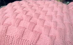 ******** THIS IS A KNITTING PATTERN - TO ORDER THE BLANKET PLEASE SEE MY SHOP ******** I got really tired of the basic basket weave