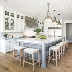 Kitchen Remodel Ideas 43 Classy White Kitchen Cabinets Decor Ideas - Page 15 of 43 - Your kitchen is probably the most used rooms in your home and the one you Stools For Kitchen Island, Large Kitchen Island, Island Chairs, Kitchen Island With Seating For 6, Kitchen Island Seating, Kitchen Center Island, Kitchen Island Ideas For Narrow Kitchen, Large Kitchens With Islands, Long Kitchen Islands