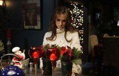 Photo of Holiday Spirit for fans of Ghost Whisperer 612206 Funeral, Melinda Gordon, Cast Images, Abc Studios, Ghost Whisperer, Female Fighter, Jennifer Love Hewitt, Red Carpet Event, Love And Lust