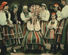 Oczepiny is the name of the Polish capping ceremony. In this ceremony, the bride's veil or wreath is removed and the traditional cap of a married woman is placed on her head, replacing her maidenly braid traditionally worn by unmarried Slavic girls.