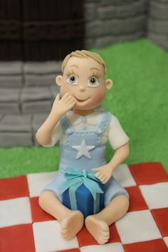 4 Tips To Help You Model Fondant Icing People - Renshaw Baking Little Boy Cakes, Cakes For Boys, Little Boys, Fondant Baby, Fondant Icing, Decors Pate A Sucre, Sugar Paste, Baby Models, Cinderella