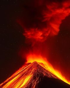 Luis Solano Pochet Captures Amazing Photos of Volcán de Fuego, An Active Stratovolcano in Guatemala #photography
