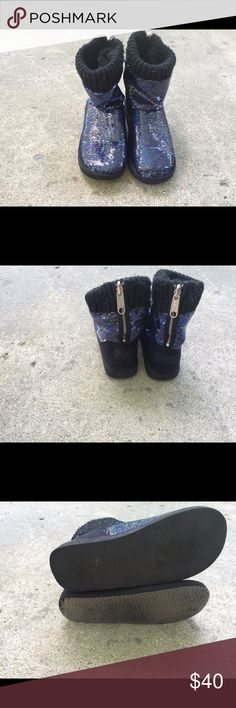 Victoria Secret Pink boots! Size 6 Beautiful sequined boots. Light wear on the bottom! Super fluffy and comfy inside! Size 6. Shoes Ankle Boots & Booties