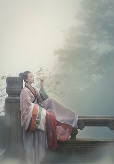 """fuckyeahchinesefashion: """" Traditional Chinese clothes, hanfu. Waist-high ruqun and breast-high ruqun. Tailor @司南阁汉服 Photos by 临溪摄影 Place Mount Emei """""""