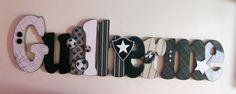 Nome em MDF, decorado em papel de scrap.  Pode ser utilizado para decorar quarto, porta de maternidade e festa infantil.  Fazemos no tema e nas cores desejadas R$99,00