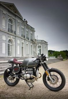 BMW :: Kevils Speed Shop (Love the bike, but damn that house <3)