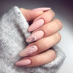 Gingerbread Man Art ❤️ Christmas nails art is all that you need when the holiday season hits. These Christmas nails design ideas are at your disposal! Winter Nail Art, Winter Nail Designs, Christmas Nail Designs, Christmas Nail Art, Nail Art Designs, Nails Design, Merry Christmas, Xmas Nails, Easter Nails
