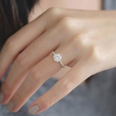 Round Solitaire Engagement Ring, Classic Engagement Rings, Beautiful Engagement Rings, Vintage Gold Engagement Rings, Ring Verlobung, Pave Ring, Gold Ring, Disney, Jewellery Box