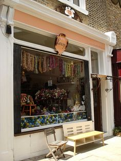 Loop - Yarn Shop in Islington, London ❥ 4U // hf  http://www.pinterest.com/hilariafina/