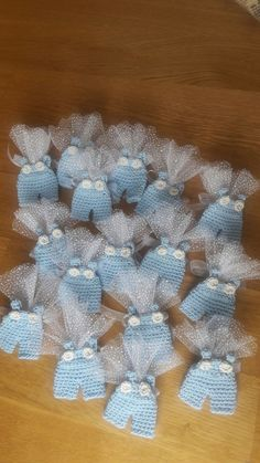 Crochet Mini Baby Shower Favors with Free PatternsCrochet Baby Carriage/ Buggy/Stroller/Pram Applique Novelty / Perfect for Bomboniere, Baby Shower, Decoration by Vintagespecialmoment on EtsyTeeny tiny baby clothes- ideal for making baby cards/framin Boy Party Favors, Baby Shower Party Favors, Baby Shower Parties, Baby Shower Decorations, Distintivos Baby Shower, Baby Shower Gifts, Baby Gifts, Crochet Gifts, Crochet Toys